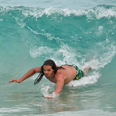joakim-noah-bodysurfs-st-barts